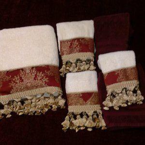 Croscill home bath towel set of 4 LN